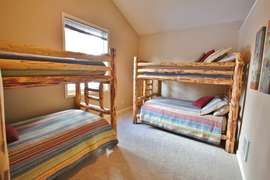 Bunk Room with Double/Double bunks and Twin/Twin Bunks (Downstairs)