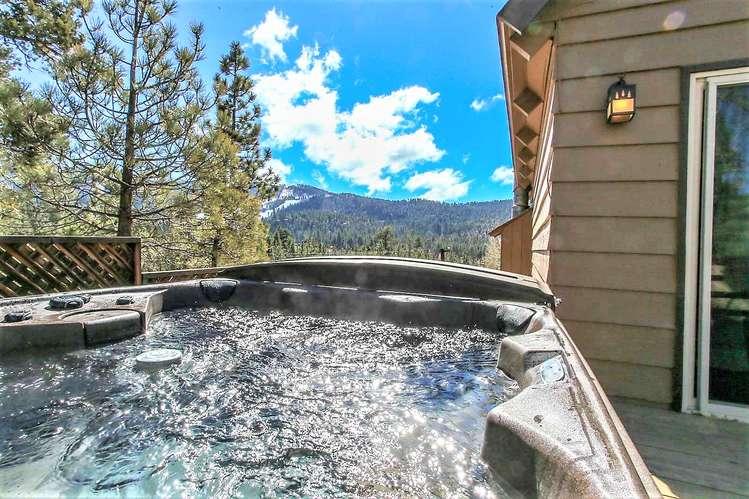Private Hot Tub Under The Stars! Ski Slope Views Of Bear Mtn Resort!