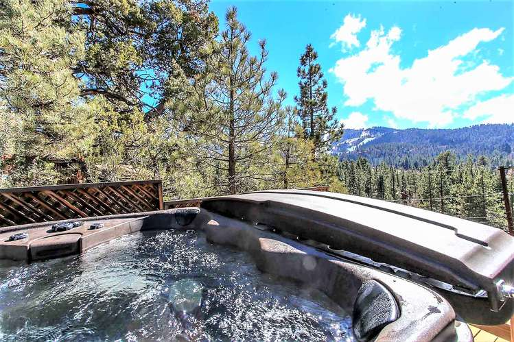 Private Hot Tub With Views