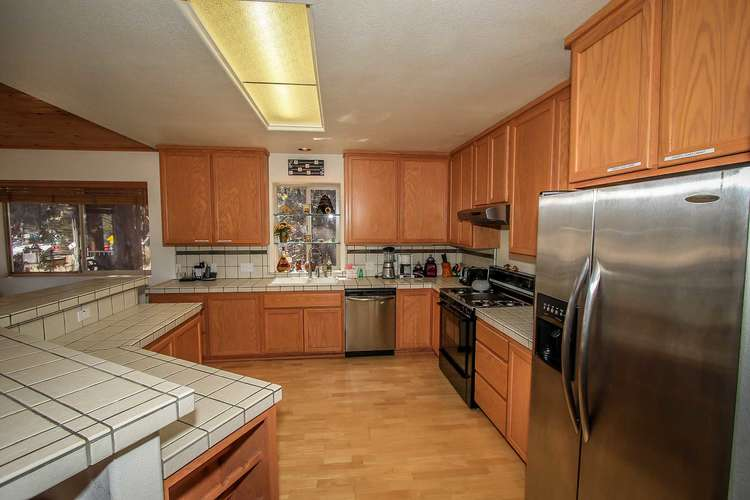 General Appliances & Dishwasher Included