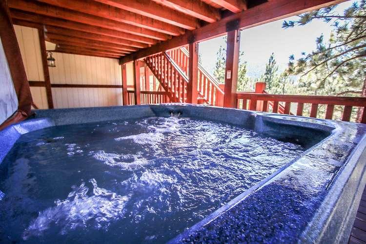 Private Hot Tub Under Deck