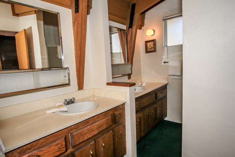 Upstairs Hallway Bath