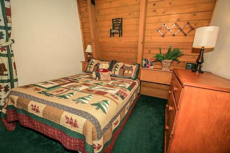 Bedroom 2- Queen Bed- Upstairs