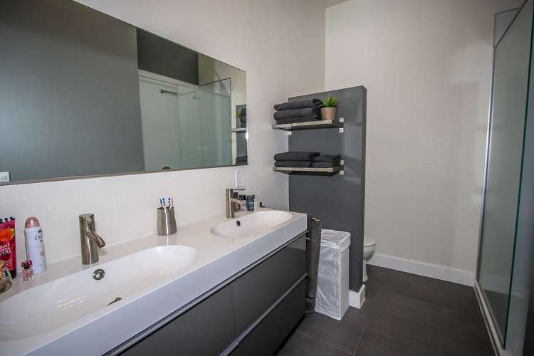 Master Bath Bedroom 1