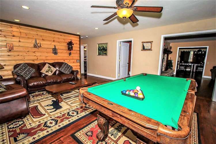 Pool Table / Game Room- Entry Level