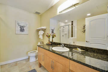 Master Full Bath with Granite Counter tops, linens provided