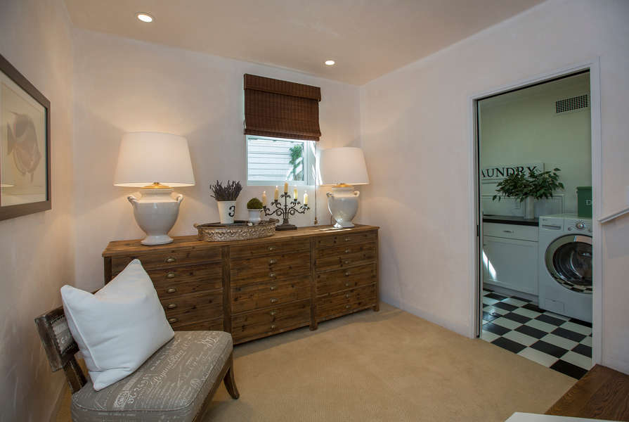 Sitting Room off Master, convenient Laundry access