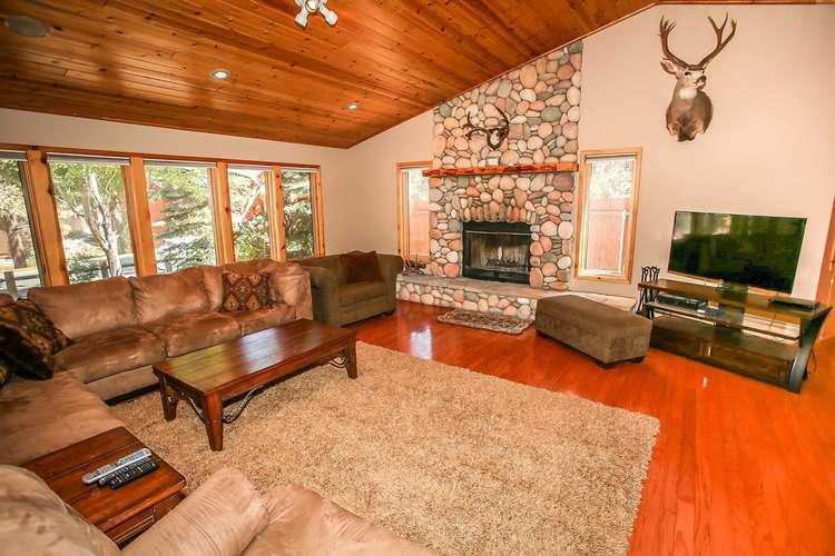Beautiful Living Room Furnishings