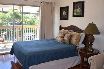 Bedroom area that opens to the lanai
