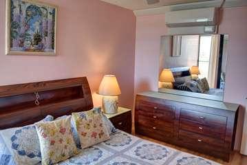 Bedroom with plenty of room