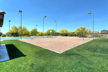 Community volleyball and basketball courts are available to guests