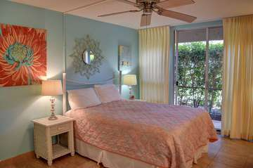 Amazingly decorated hotel room with A/C