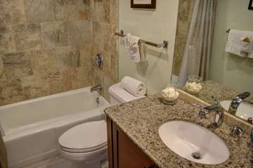 Master full bathroom