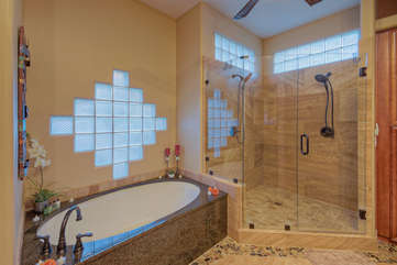 Inviting garden tub in master bath for luxurious soaks after 18 holes on the golf course or a vigorous mounatin hike