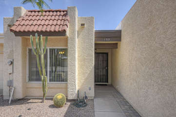 Private entrance to 2 bedroom, 2 bath townhome in quiet, well maintained neighborhood