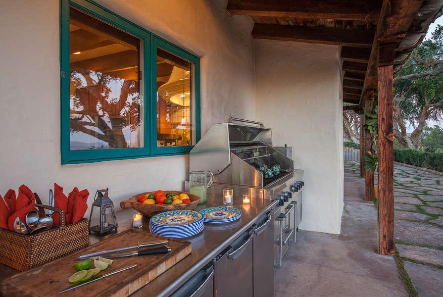 Chefs will enjoy the outdoor Kitchen