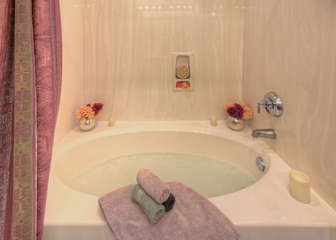 After a day on the golf course or a hike in the mountains what could be more exquisite than soaking in the garden tub?