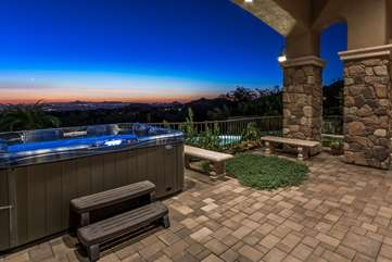 Hot tub and swings with magnificent sunset and city views to delight the senses