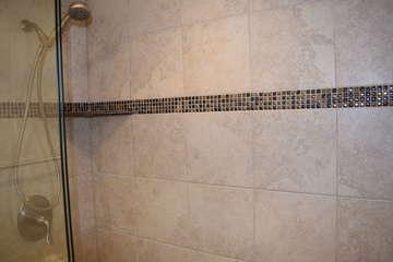 Guest bathroom walk-in tiled shower