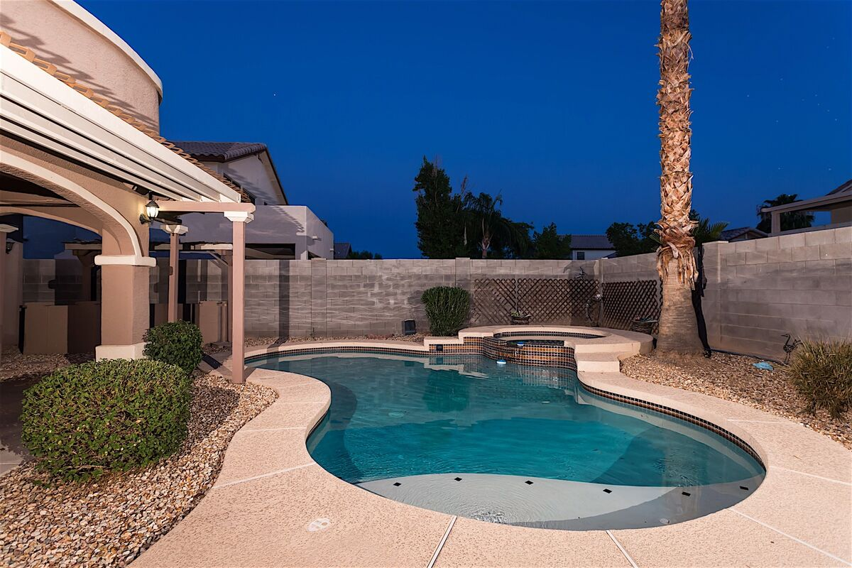 Pool has option to be heated