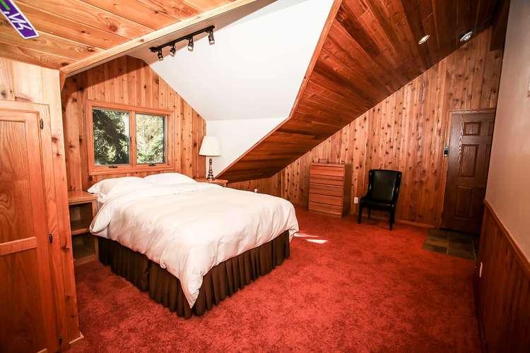 Bedroom 5- Queen Bed- 3rd Level