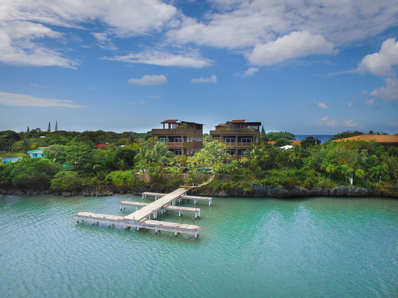 Sunrise Harbor in West End – Roatan Vacation Rentals & Property ...
