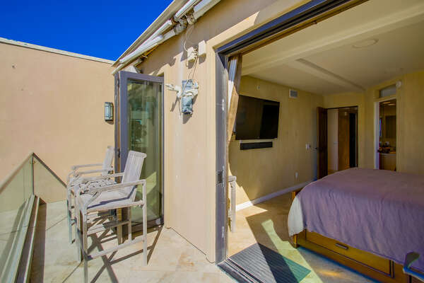 Master King Bedroom with open deck space