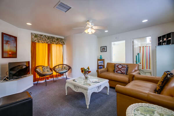 Living Room - 2 Single Pull-out Couches - Ground Level
