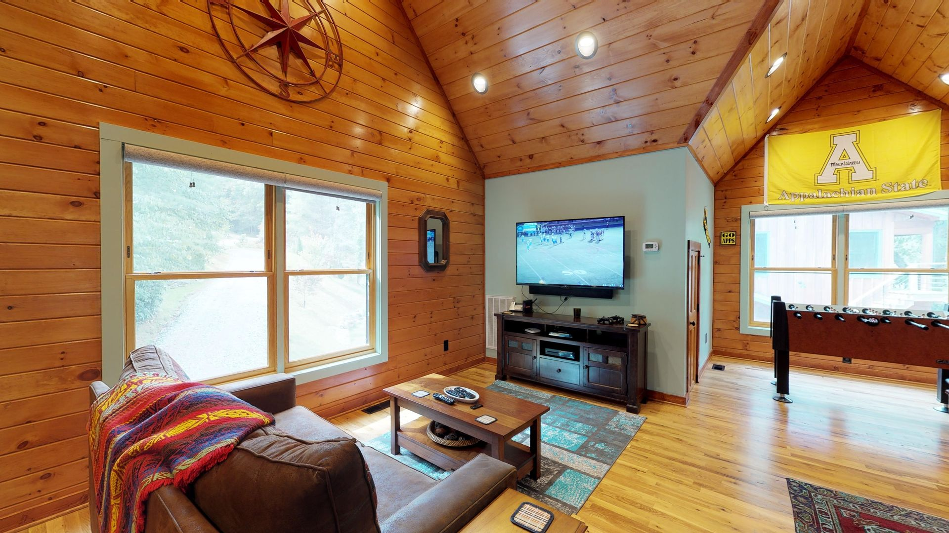 Game/sitting room above the garage