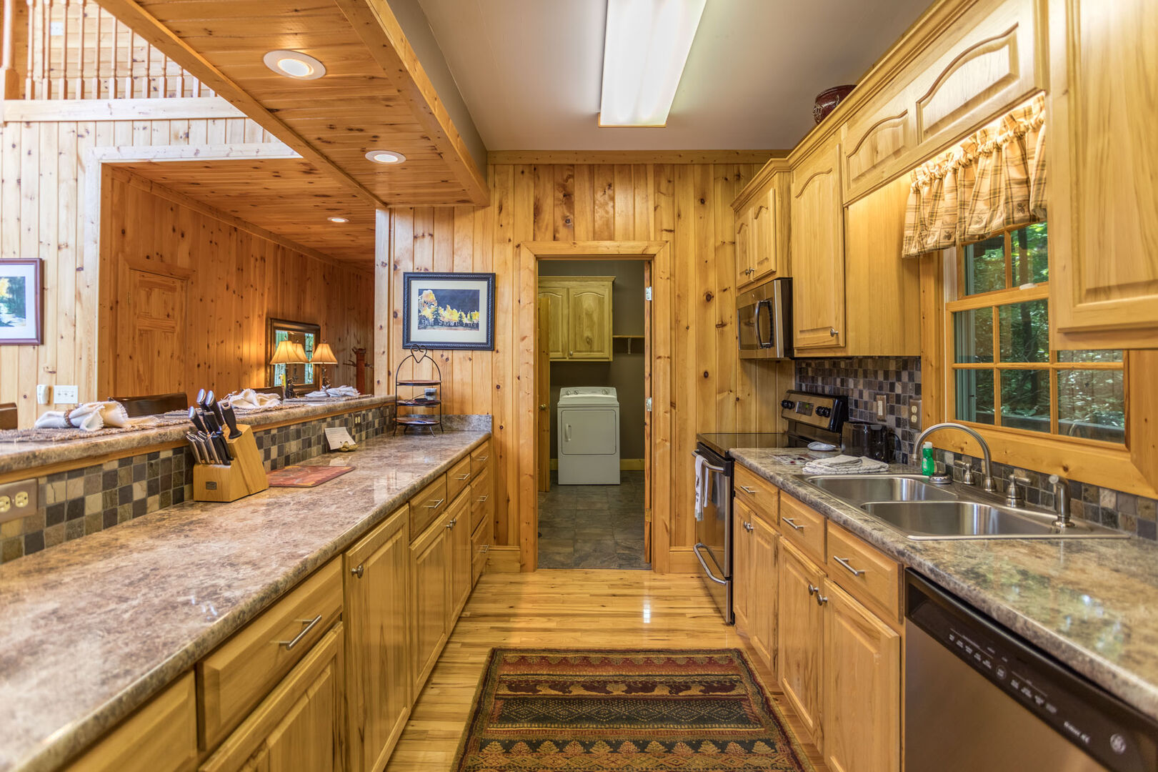 Beautiful granite counters in the fully equipped kitchen