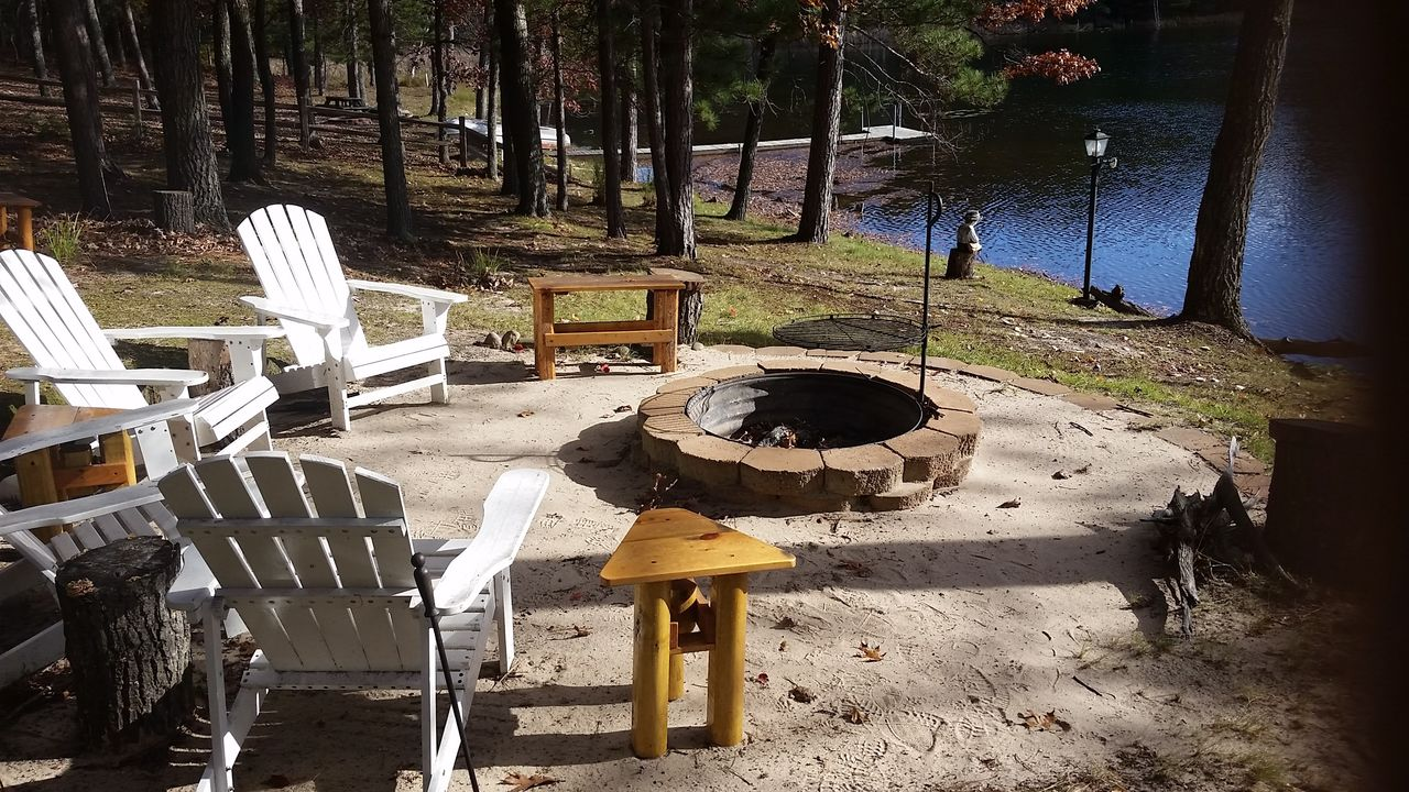 Huge firepit-Lots of seating-Grill
