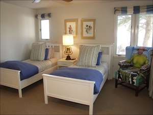 4th Bedroom 2 Twins/bath/TV
