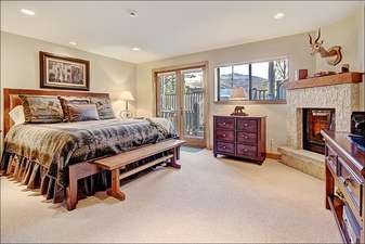 Master Suite - King, Flat TV, Fireplace, Jacuzzi, East Balcony