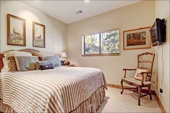 King Bed in the Seventh Bedroom