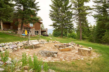 Fire Pit and Playground -Star View Lodge