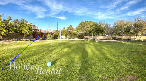 Large backyard with lots of entertainment & Volleyball