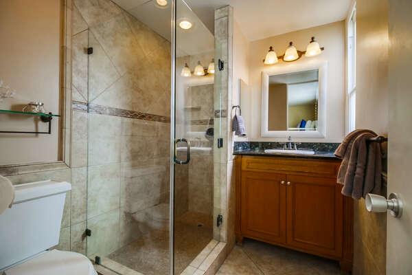 Bathroom with shower, en suite bathroom