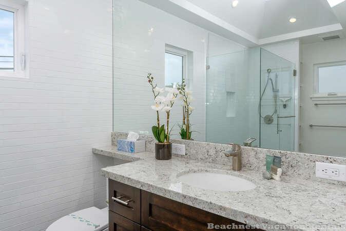 Master bathroom (en suite)