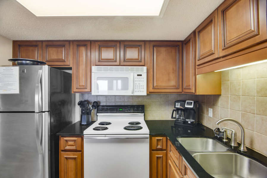 Fully Equipped Kitchen with a Breakfast Bar