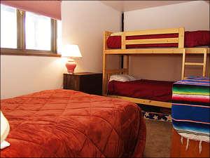 Bedroom 3 - Full & 2 Twins