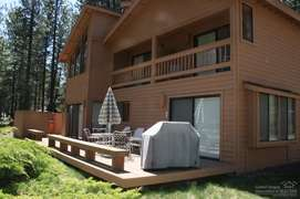 Looking at beck deck. Hot tub is at the far end of the picture