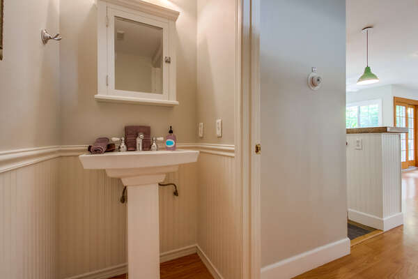 1/2 bath on second floor for convenience