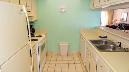 Perfect kitchen, with proximity to make cooking fun but to not feel crowded