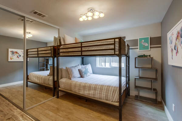 Ground floor bedroom with full/full bunk bed