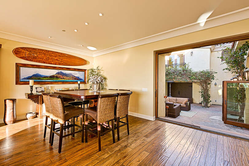The dining area also has courtyard access