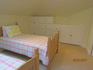 Twin beds for 4 in FROG.