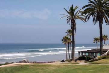 Sea Grove & Powerhouse Park, a playground, & great surf, all just a short walk!