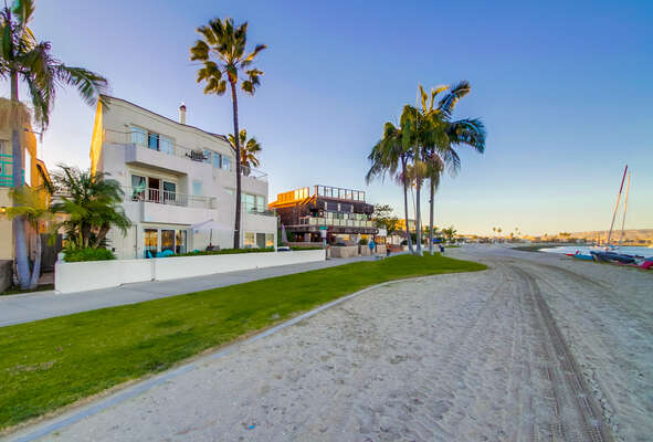 Great Bayfront Location