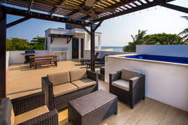 Sitting area and pool