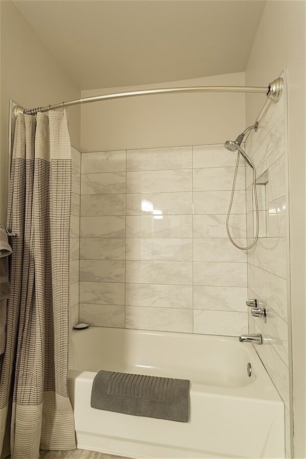 Tub/shower combo